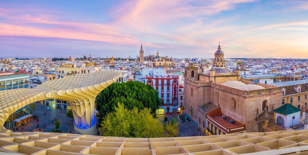 Viaje en autobús a Sevilla: La mejor ciudad del mundo según Lonely Planet