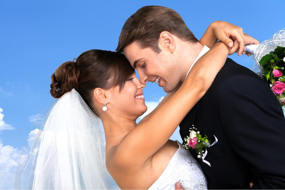 ¿Tienes una boda? 10 razones por las que deberías alquilar un autobús