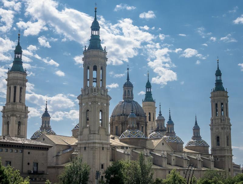 Por qué viajar en autobús a Zaragoza