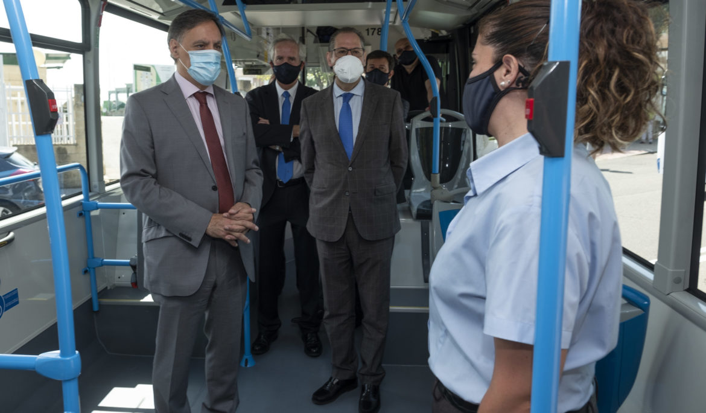 Grupo Ruiz ha presentado 5 nuevos autobuses propulsados por Gas Natural Comprimido